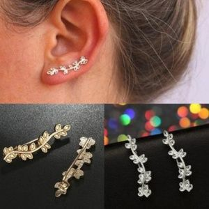 Jewelry - NEW leaf climber earrings